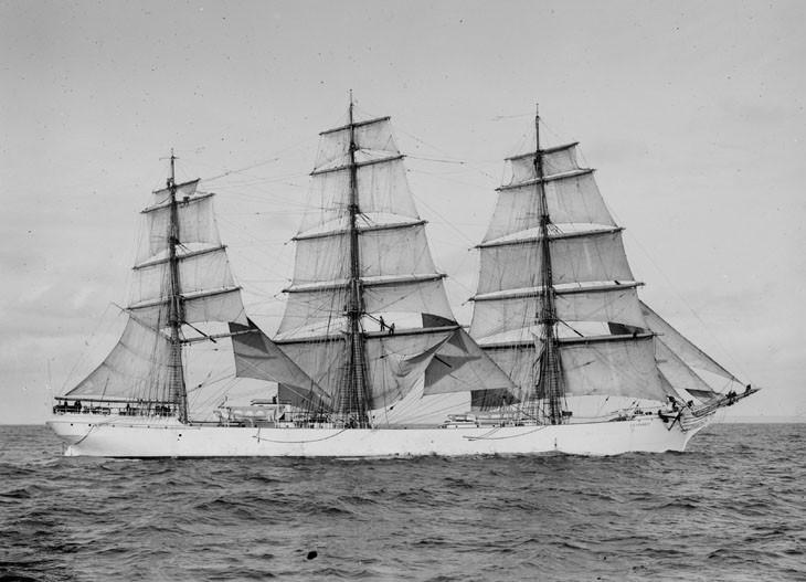 «G.D.Kennedy» в австралийских водах.