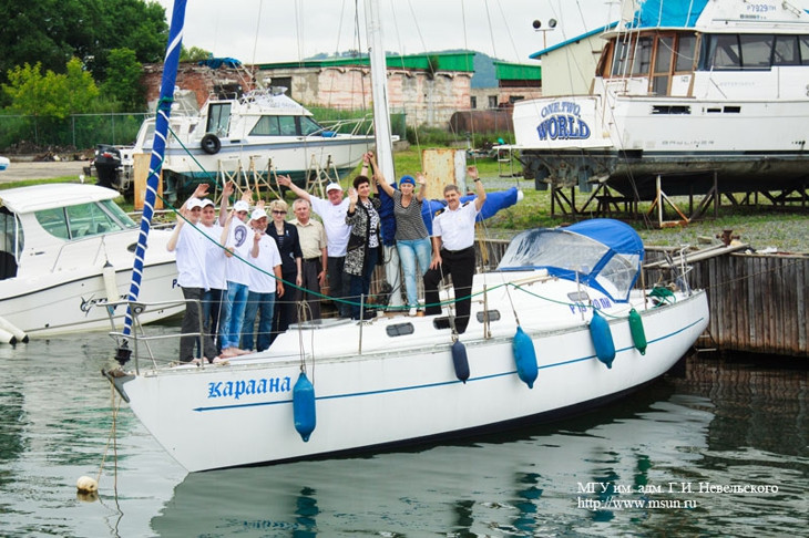 яхта караана