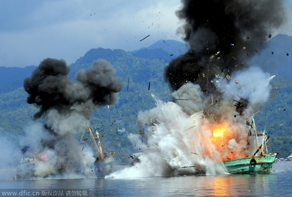 Уничтожение браконьерских кораблей ВМФ Индонезии
