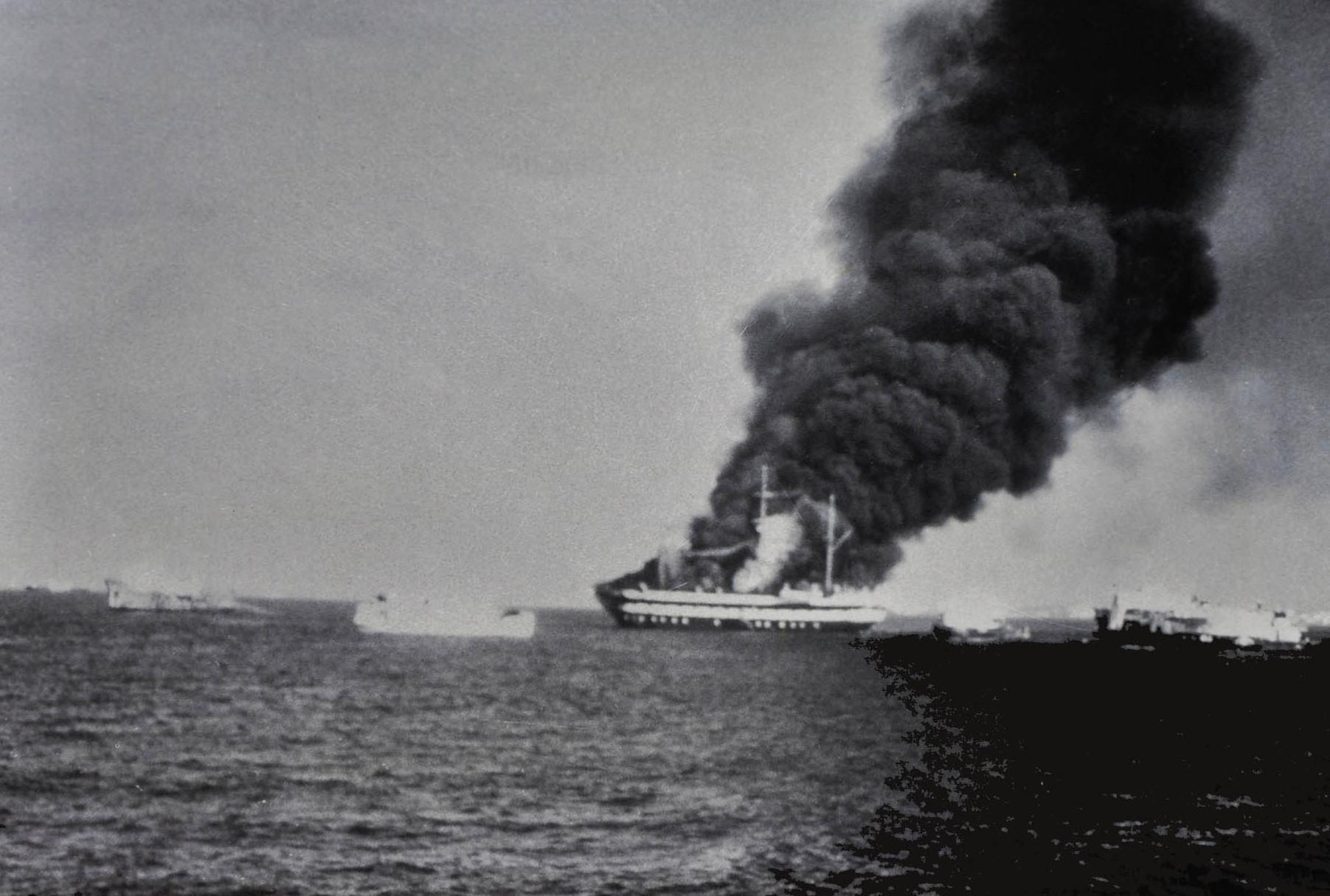 Пожар на учебном судне «Дон Фернанду II э Глория» 3 апреля 1963 г. Фото в экспозиции на борту корабля-музея.