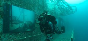 Подводная выставка фотографий, сделанных …. под водой