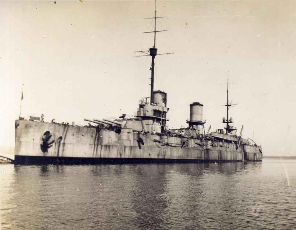 Флагман Белого флота - линкор «Генерал Алексеев». Бизерта, 1923 г.