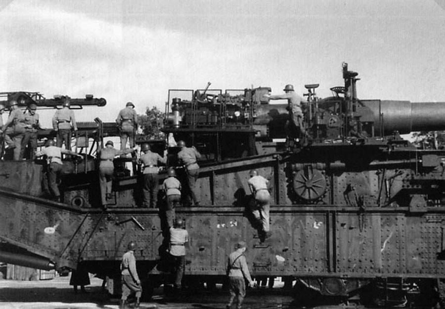 Орудие ТМ-III-12, восстановленное финнами и размещённое на стационарной позиции, 1943 г.