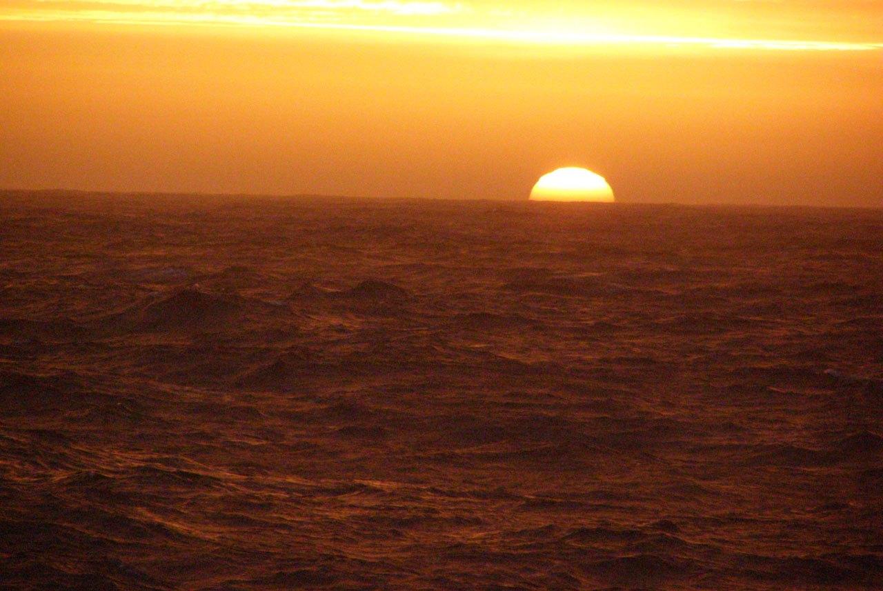 Закат в Южном океане. Фото Zippora Imber