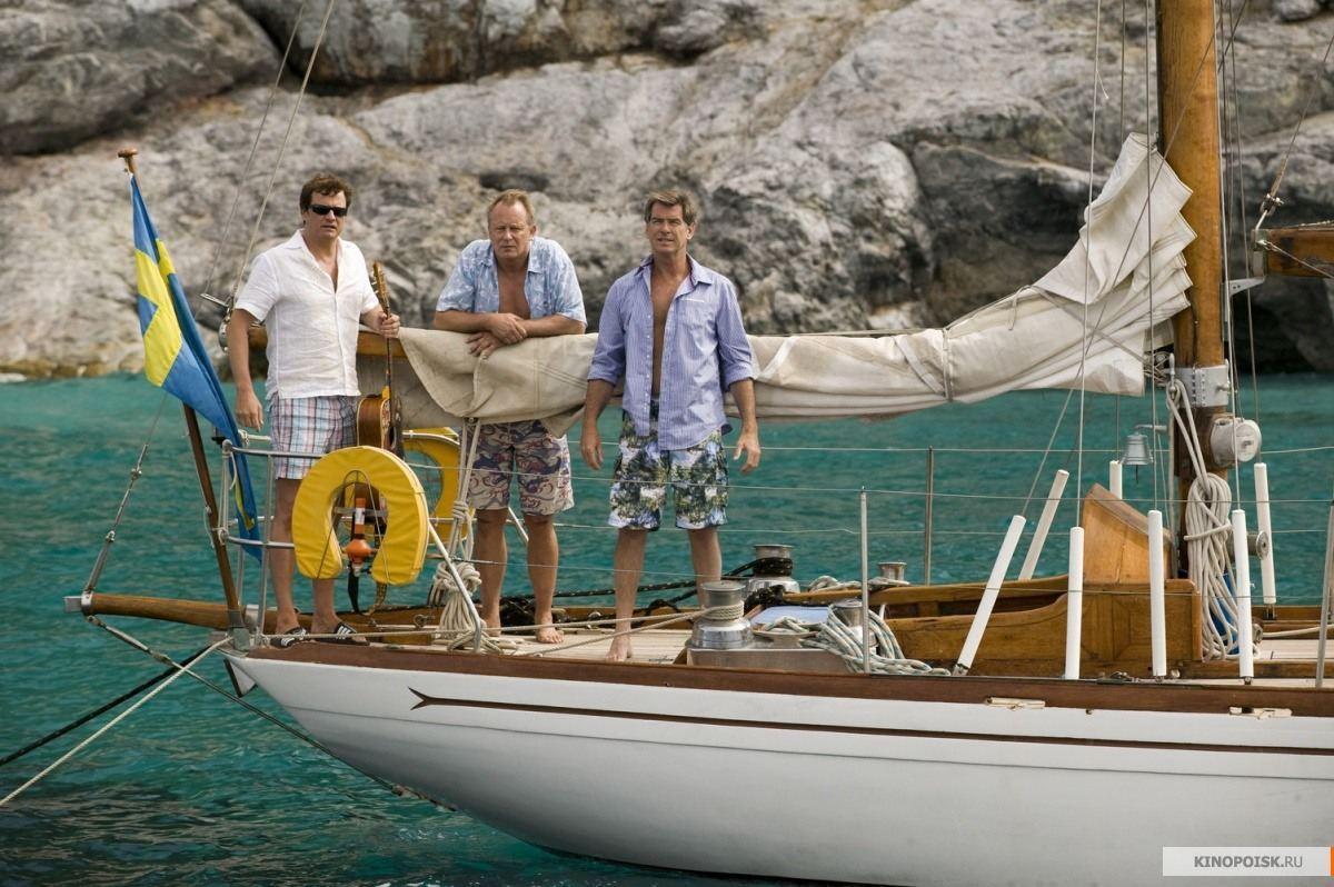 Колин Ферт, Пирс Броснан, Стеллан Скарсгард на яхте во время съемок мюзыкла МАМА МИА
