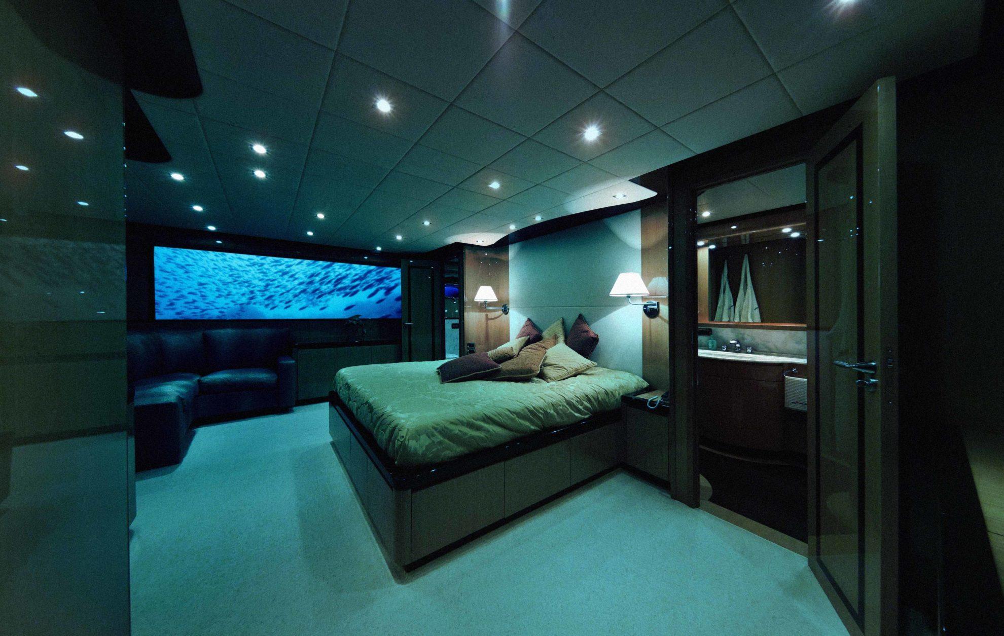 Секс на подводной лодке смотреть 9 фотография