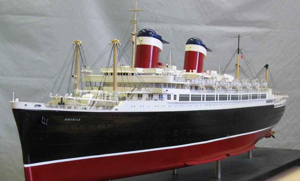 Модель лайнера «Америка».