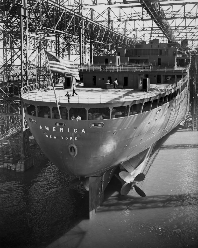 Лайнер «Америка» перед спуском на воду, 1939 г.