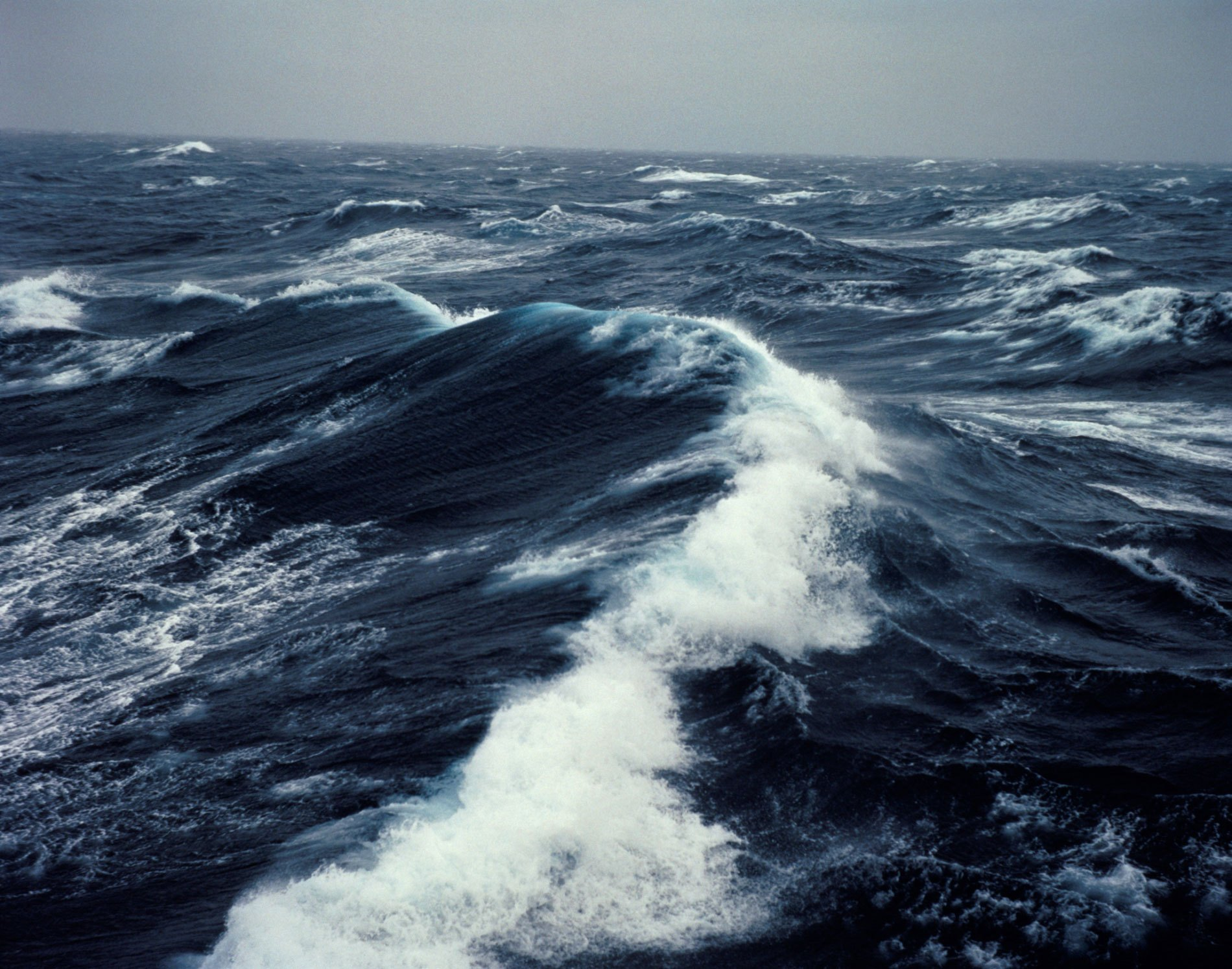 Тихий океан бывает совсем не тихий