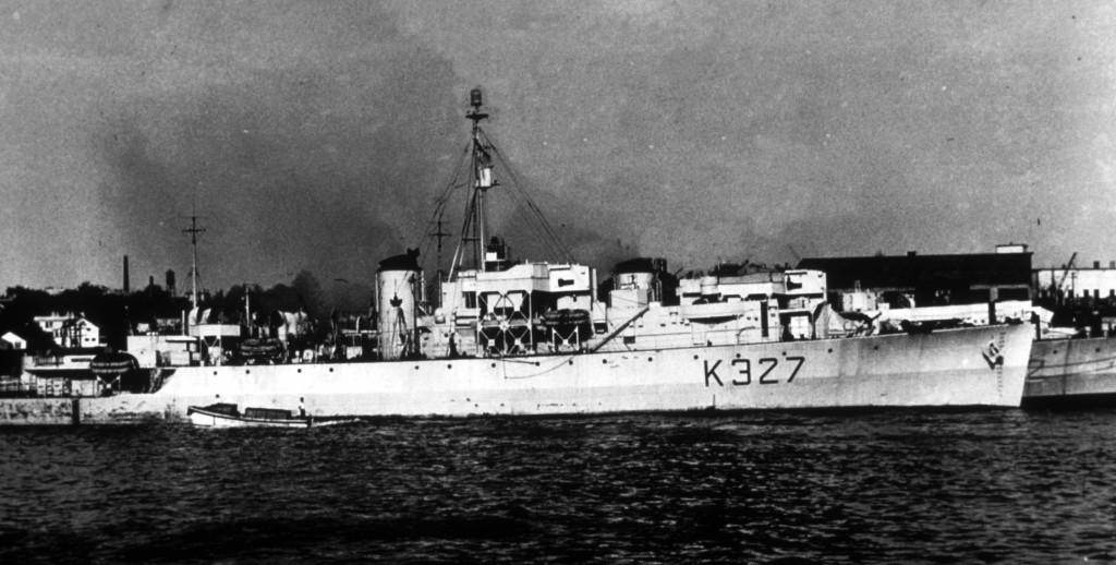 Фрегат ВМС Канады «Stormont» в 1945  г.