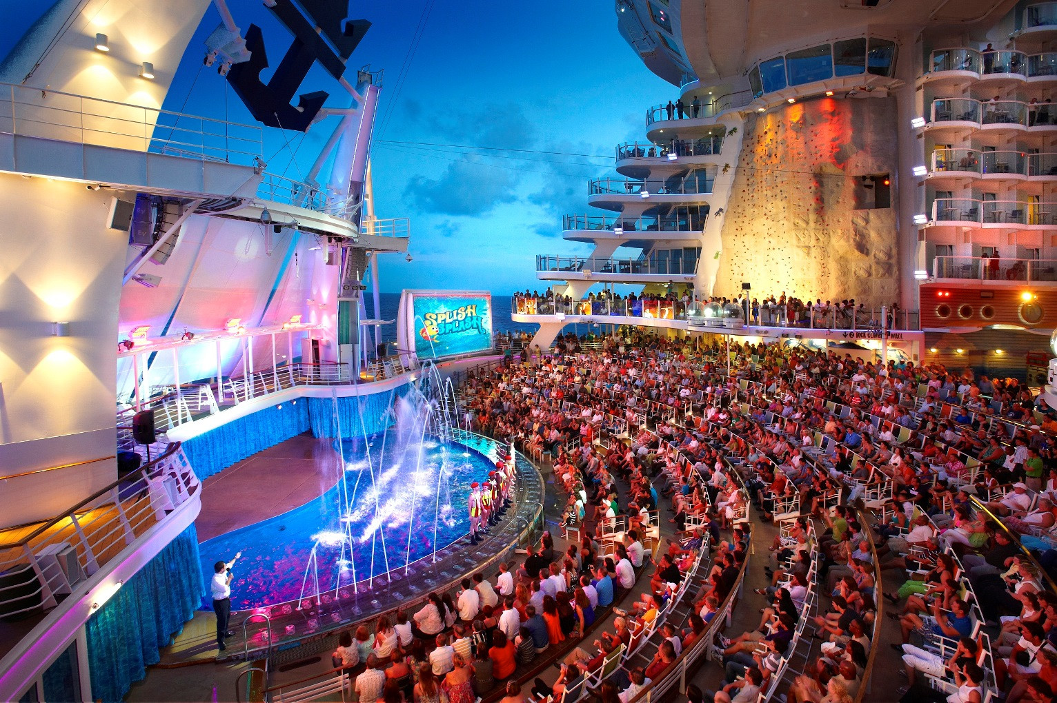 Aqua Theatre  - Royal Caribbean International