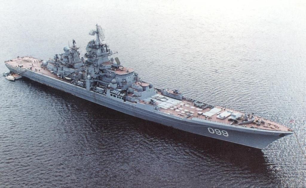 Флагман Северного флота (СФ), тяжелый атомный ракетный крейсер Петр Великий