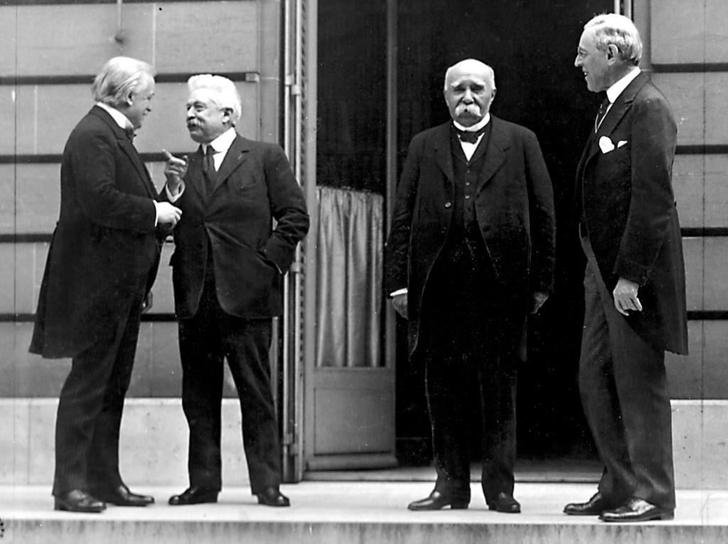 Лидеры стран-победителей на переговорах в Париже: Дэвид Ллойд Джордж, Витторио Орландо, Жорж Клемансо и Вудро Вильсон, 1919 г.