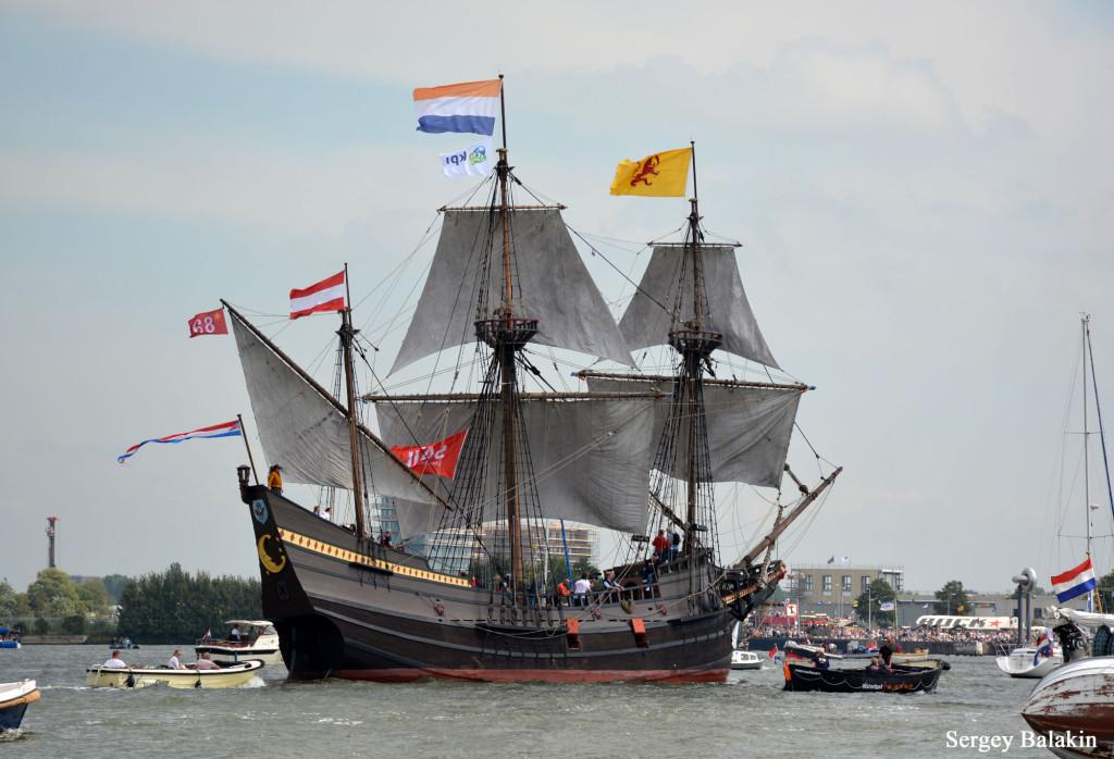 Реплика корабля Генри Гудзона «Halve Maen» («Полумесяц») прибыла на фестиваль из-за океана