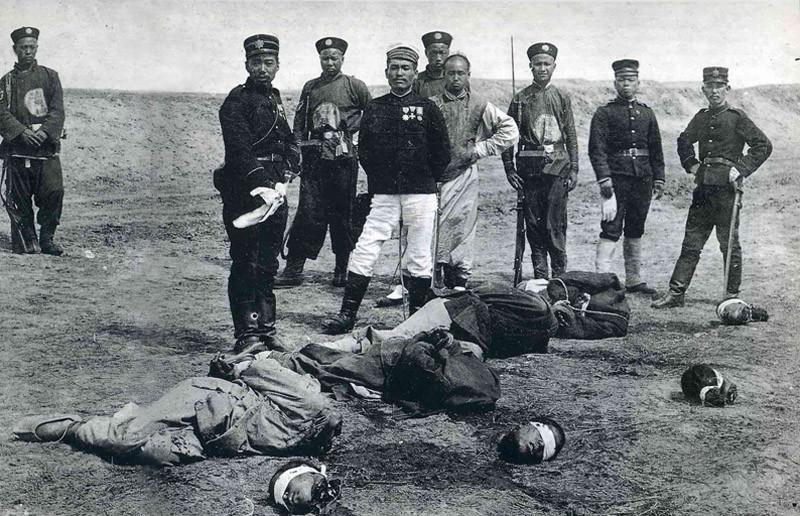 По китайскому кодексу за многие провинности следовало отсечение головы