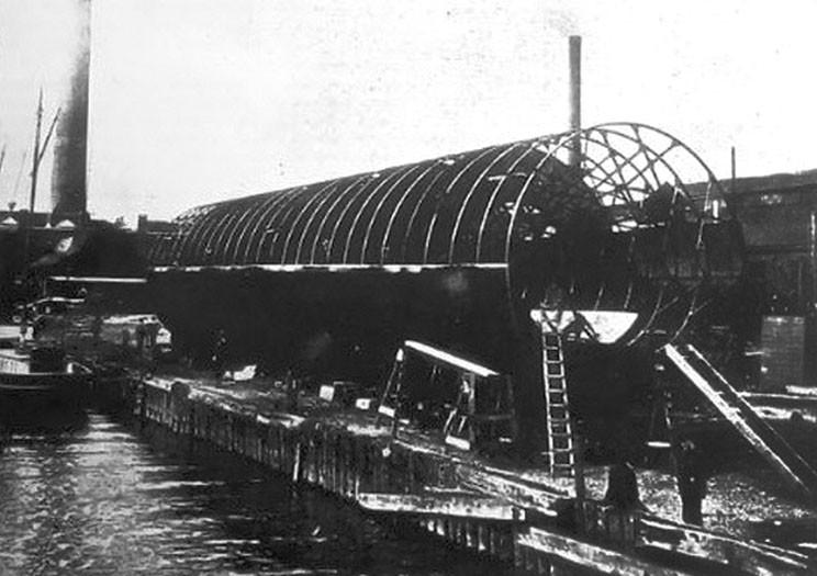 «Роллер бот» Нэппа в ходе постройки, 1897 г.
