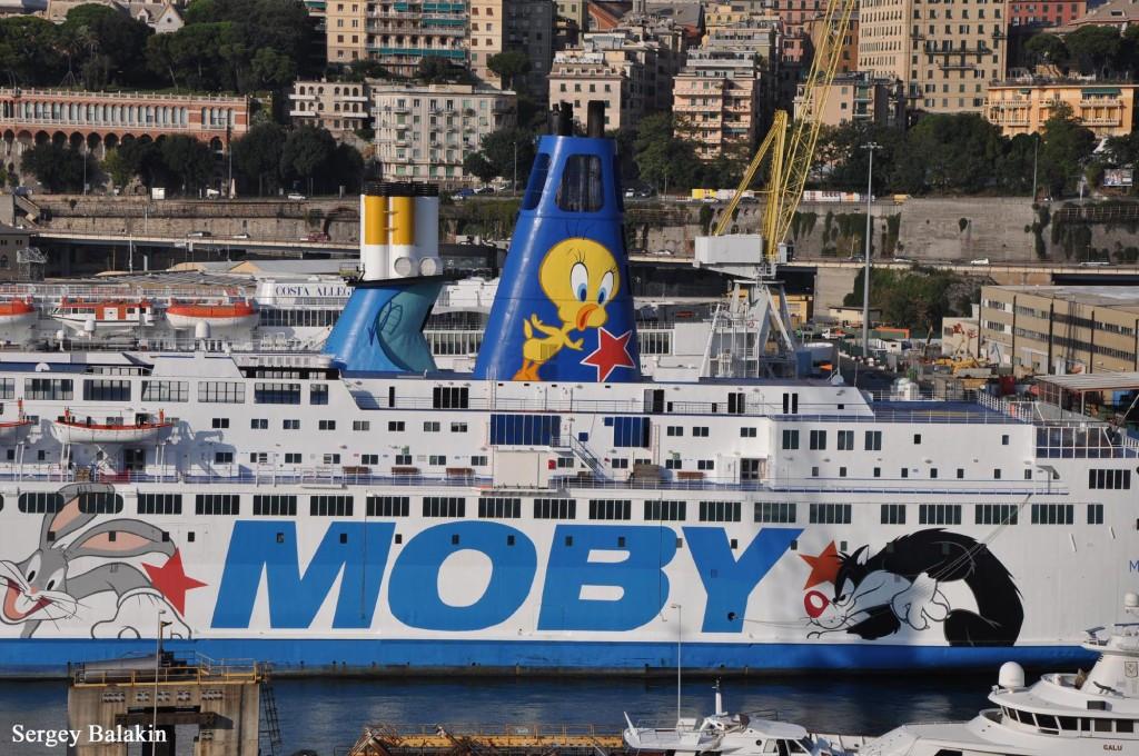 «Moby Corse» (1978 г., 19 321 брт) в порту Генуи