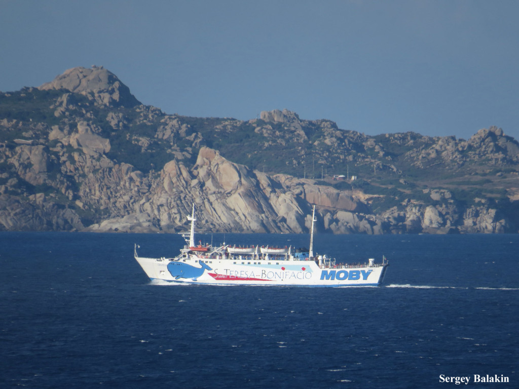 «Moby Giraglia» (1973 г., 2123 брт) у берегов Сардинии