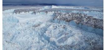В Гренландии раскололся крупнейший ледник