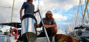 Серферы придумали новый способ очистки океана