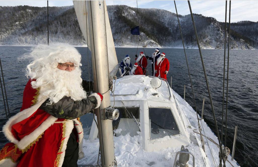 дед мороз с лодкой