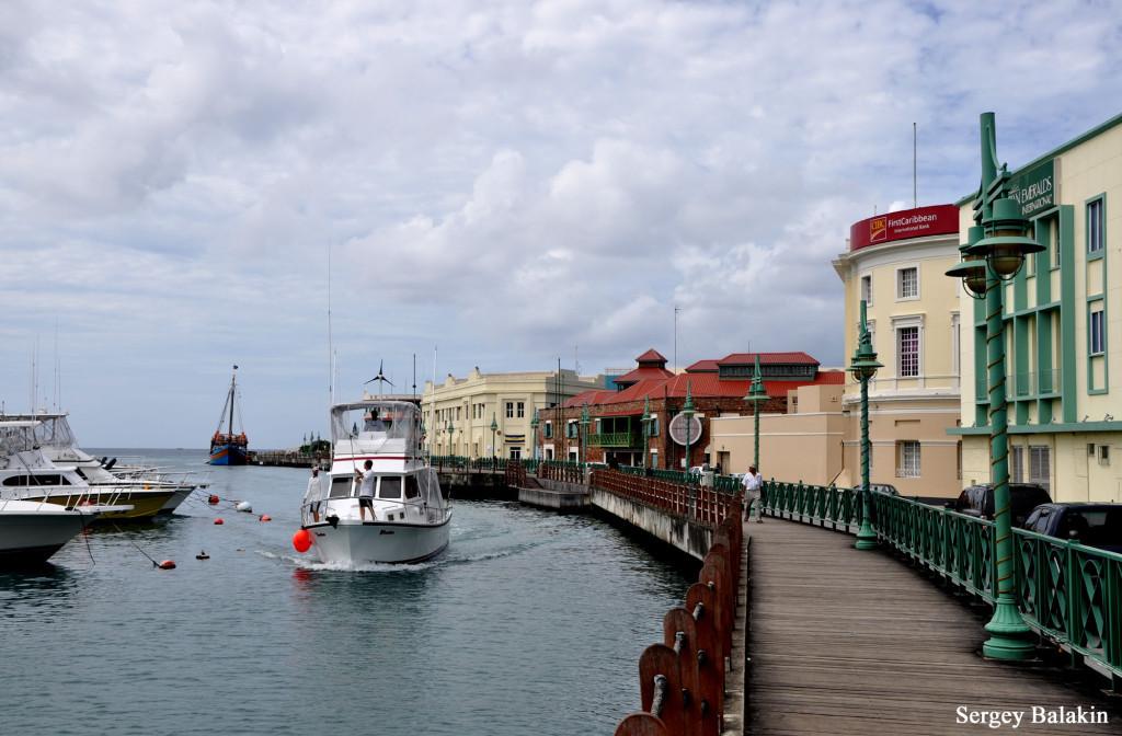 Набережная в Бриджтауне – столице Барбадоса