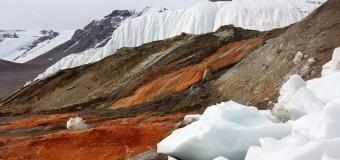 «Кровавый водопад» Антарктиды