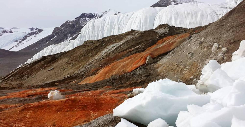 Found-Bleeding-Glacier-Makes-Antarctica-Spooky