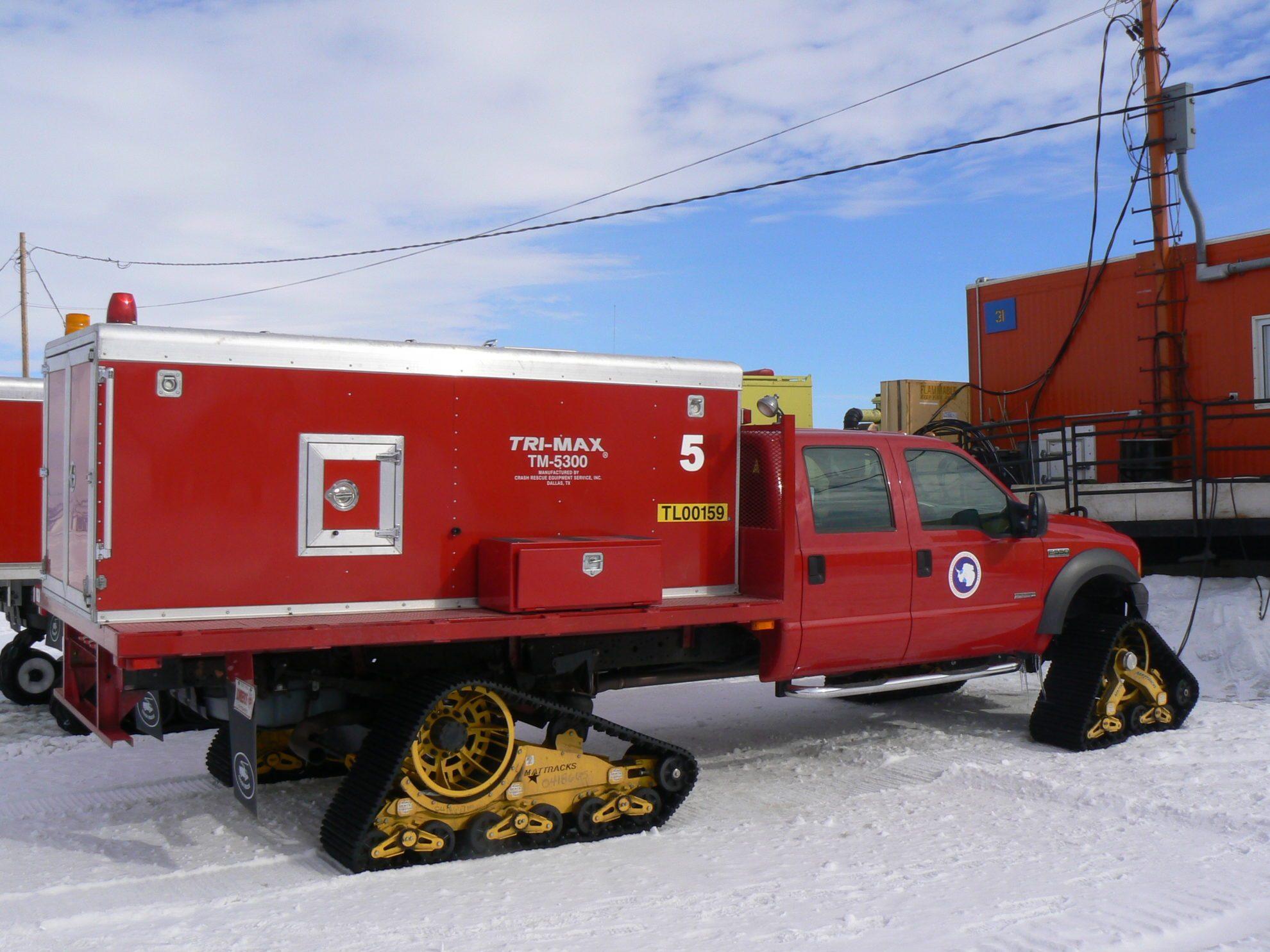 Пожарная машина на базе автомобиля Ford F 550. Антарктида