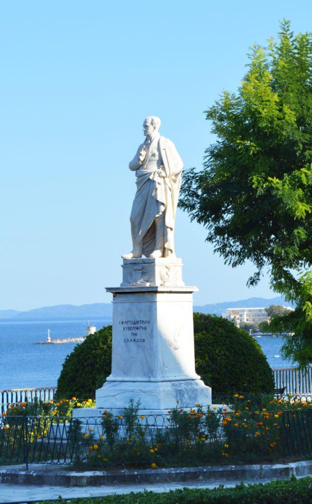Памятник И. Каподистрии на острове Корфу