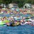 Береговые службы Канады остановили вторжение более 1500 человек на надувных плотах