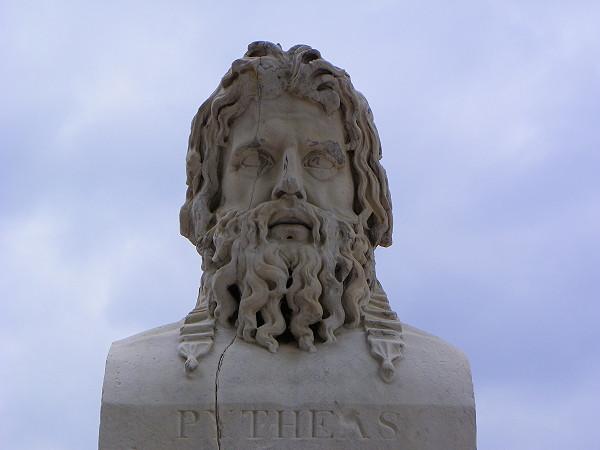 Памятник Пифею в Массалии (Марсель) отправной точки его путешествия.