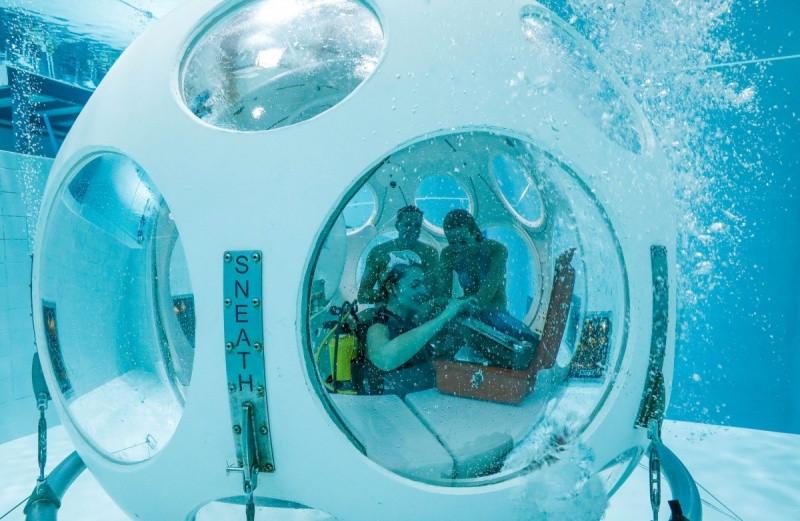В Бельгии открыли подводный ресторан