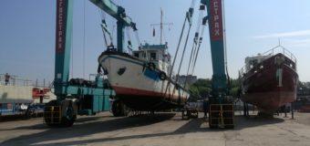 Экспедиционное судно АКСИДИАН прибыло для проведения ремонта.