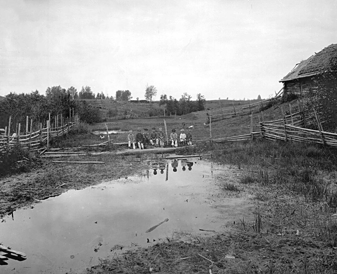Запруда около деревни Волгино. к. XIX в. Тверская губерния, д. Волгино.