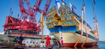 Линейный корабль «Полтава» спустили на воду в Яхт-клубе Санкт-Петербурга