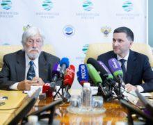 Жан-Мишель Кусто в бухте Средняя ищет варианты освобождения косаток