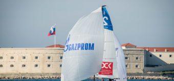 Севастополь наполняет паруса