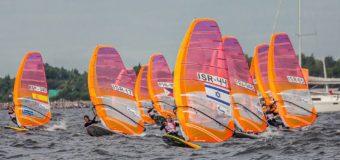 В Санкт-Петербурге стартовал чемпионат мира по виндсерфингу среди юниоров