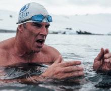 Британец совершил уникальный заплыв в Антарктиде ради спасения климата