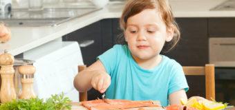 Дети, которые едят рыбу, имеют больший IQ и лучше спят