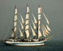 Парусное судно «Мир» отправится в кругосветку