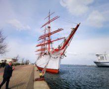 Барк «Седов» готовится к проходу Датских проливов