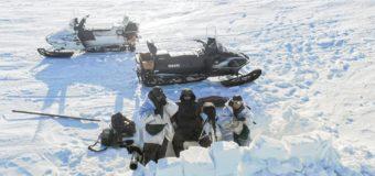 «Не расстаюсь с пистолетом». Как живут и работают в самом северном заповеднике России