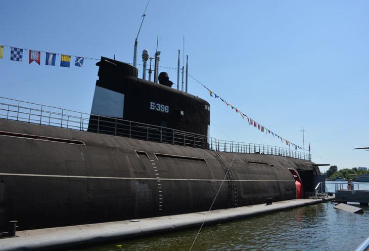 Подводная лодка «Б-396» («Новосибирский комсомолец»).
