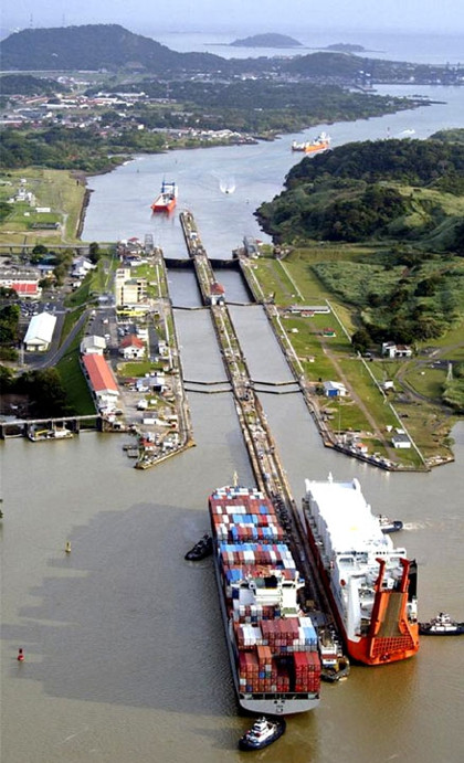 Панамский канал, парные шлюзы Мирафлорес