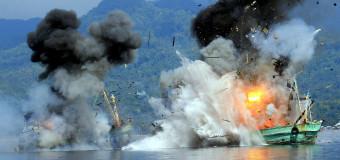 ВМФ Индонезии расстреляли два браконьерских судна