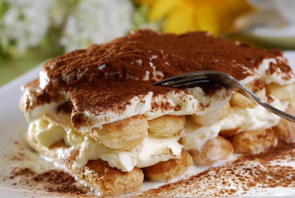 Изысканный десерт тирамису