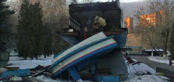 Снесли памятник теплоходу «Москвич»