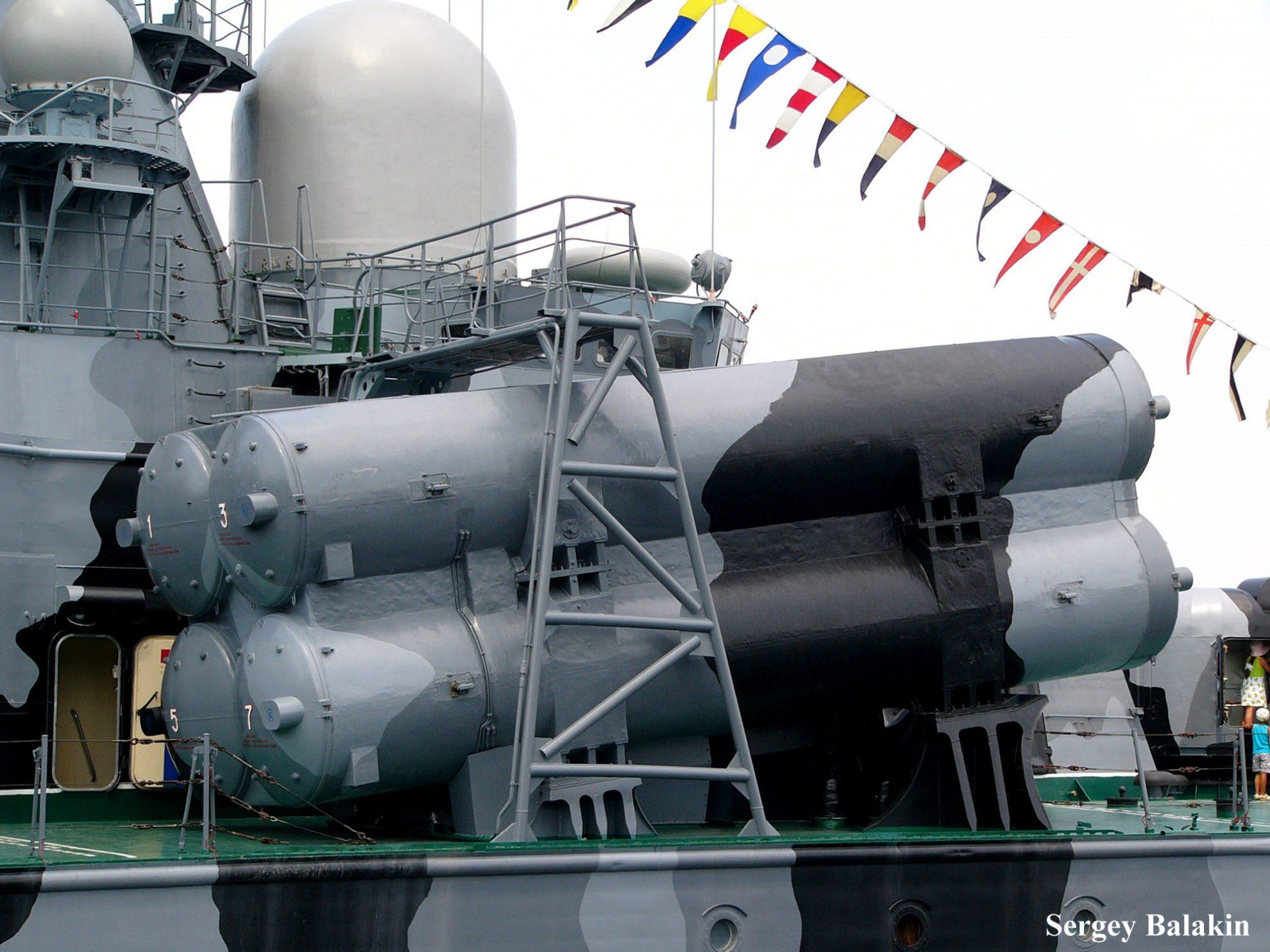 Счетверённая пусковая установка ПКРК «Москит» на РКВП «Самум»